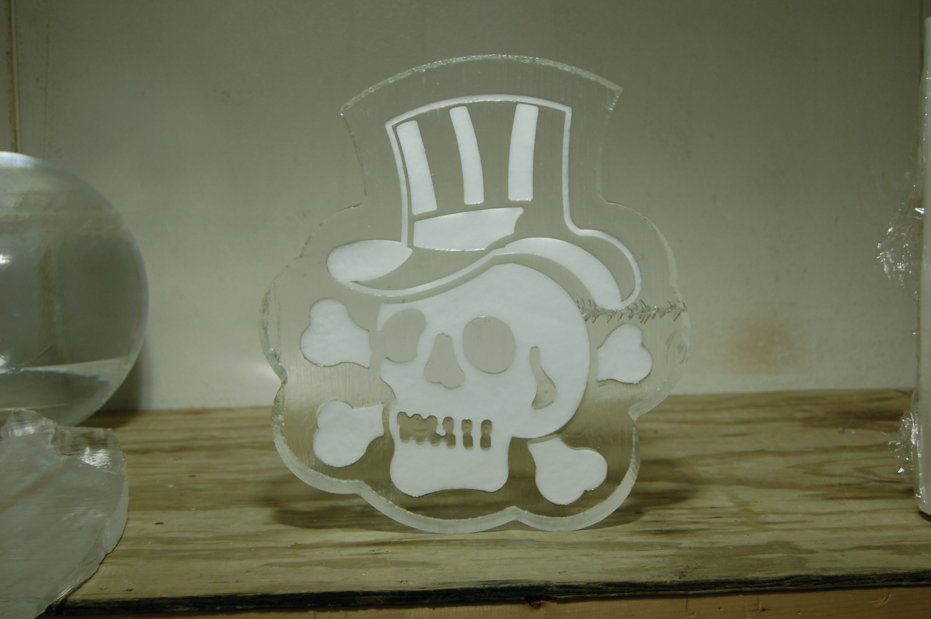 Skull With Top Hat Snowfill